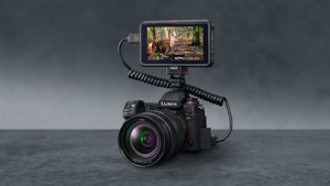 https://www.atomos-japan.com/wp-content/uploads/2020/05/Press-Release-Atomos-PanasonicLumix-300x169.png